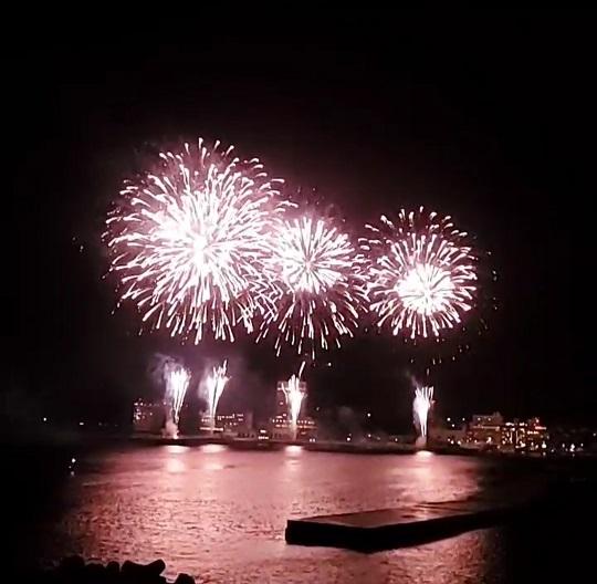 「熱海海上花火大会」が3日間連続開催されました
